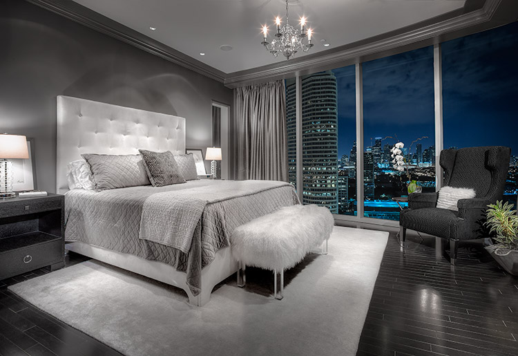 Architectural photograph of penthouse appartment with view of downtown houston