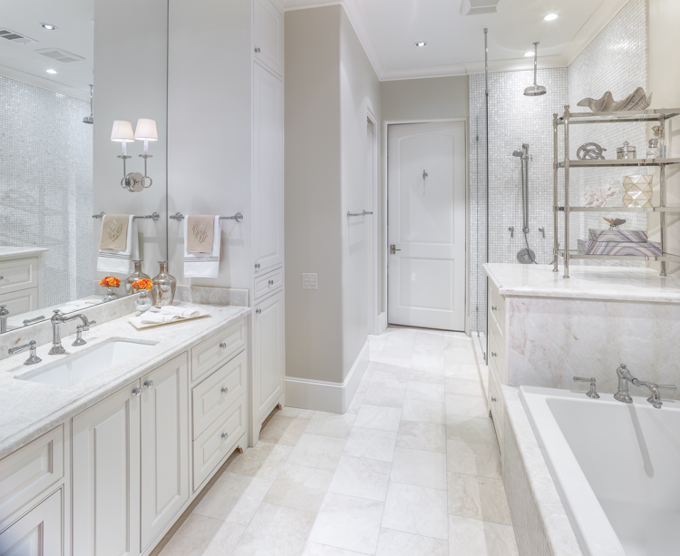 Residential architectural photograph of a tanglewood residence upstaires guest bath.